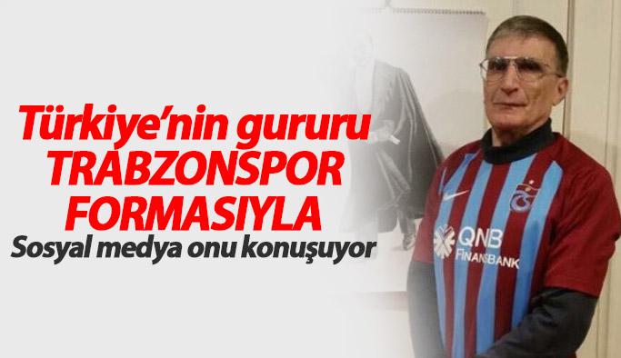 Aziz Sancar Trabzonspor forması giydi