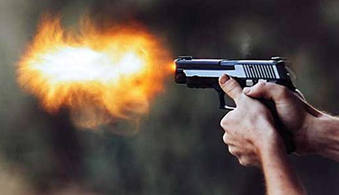 Bayburt'ta eğlence mekanında silahlar konuştu