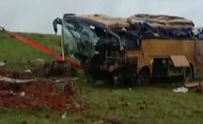 Korkunç kaza: 4 ölü 22 yaralı