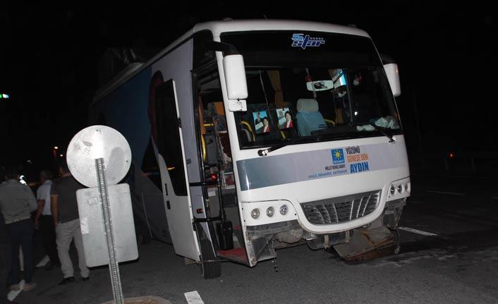 Seçim otobüsü ile otomobil çarpıştı: 6 yaralı