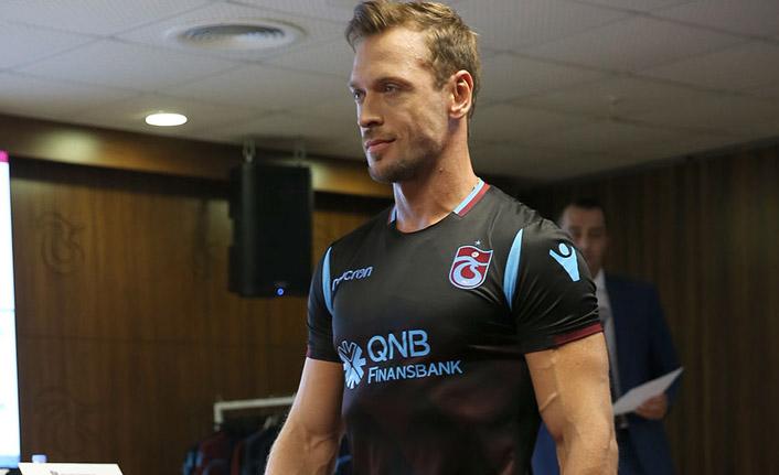 Trabzonspor'un siyah formasının ilk sahibi bakın kim oldu?