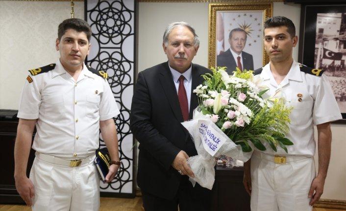 Sahil Güvenlik personelinden Artvin Valisi'ne ziyaret