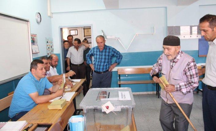 Amasya'da seçmen sandık başında