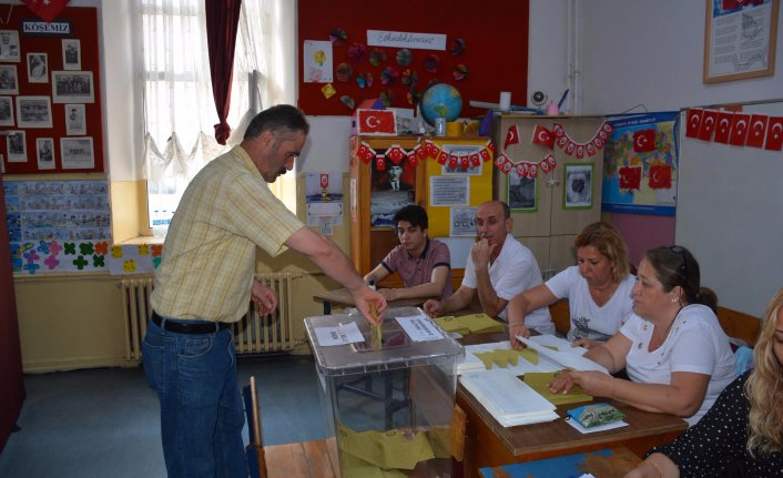 Sinop'ta oy kullanma işlemi başladı