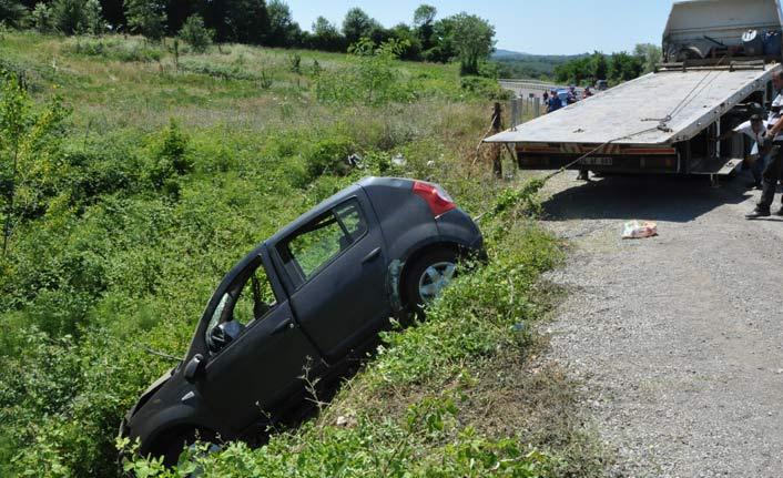 Otomobil dere yatağına uçtu: 2 ölü, 3 yaralı