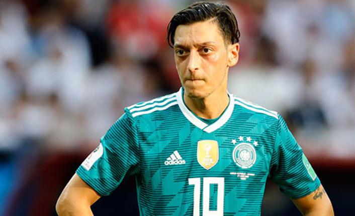 Mesut Özil'den flaş karar!