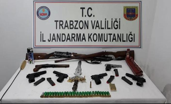 Trabzon'da internetten silah sattılar tutuklandılar