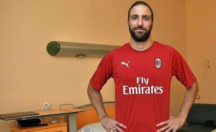 Milan bombayı patlattı!