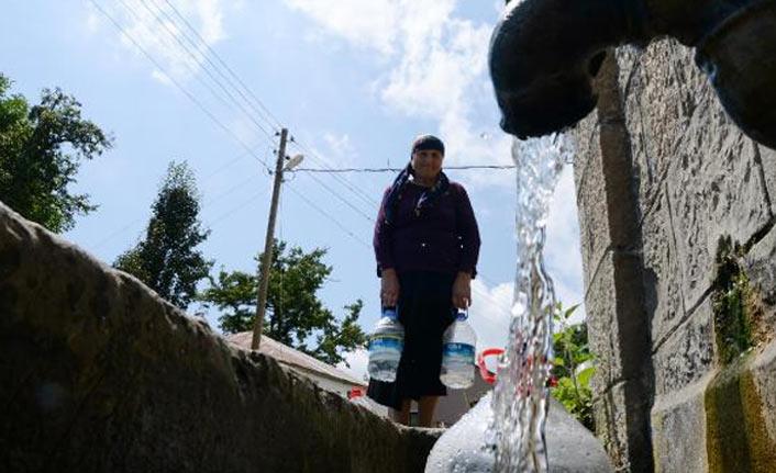 Bu mahallede bin kişi var ama su yok