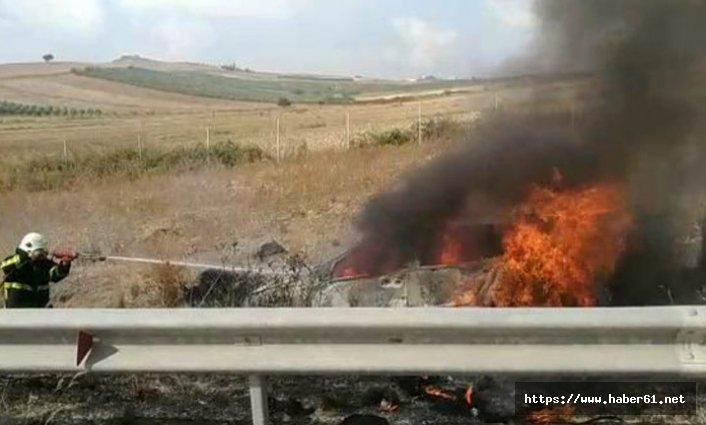 Adana'da kaza yapan araç yandı