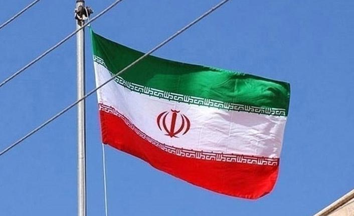"""""""İran'da doların kangrene dönüşmesinin sebebi iç etkenlerdir"""""""