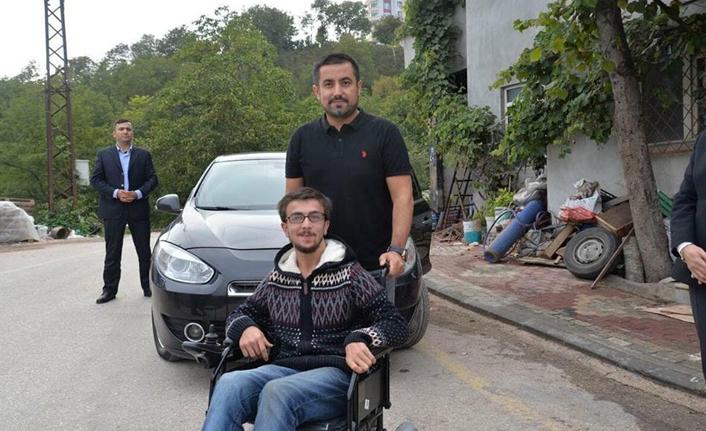 İş adamı engelli gence jest yaptı
