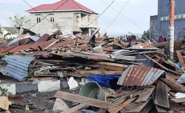 Depremde ölü sayısı artıyor - 832...