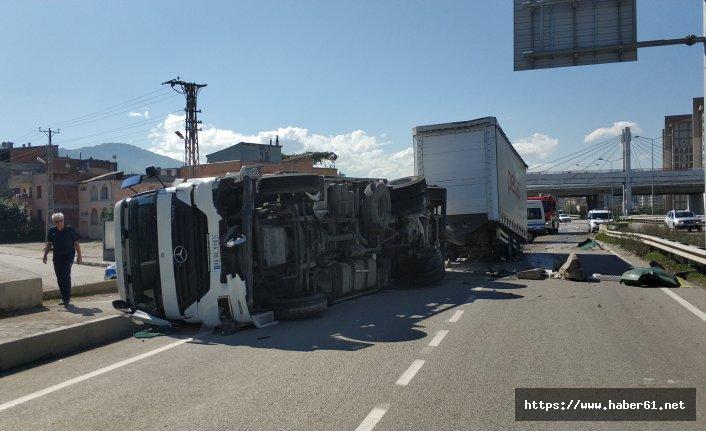 Samsun'da tır devrildi: 1 yaralı