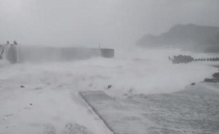 Japonya'da tayfun paniği