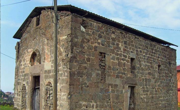 Trabzon'da Kaymaklı Manastırı yok olmaya yüz tuttu!
