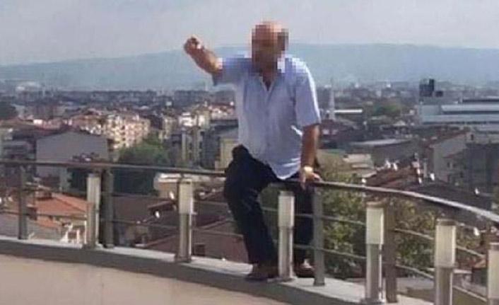 Belediyenin çatısında intihara kalkıştı