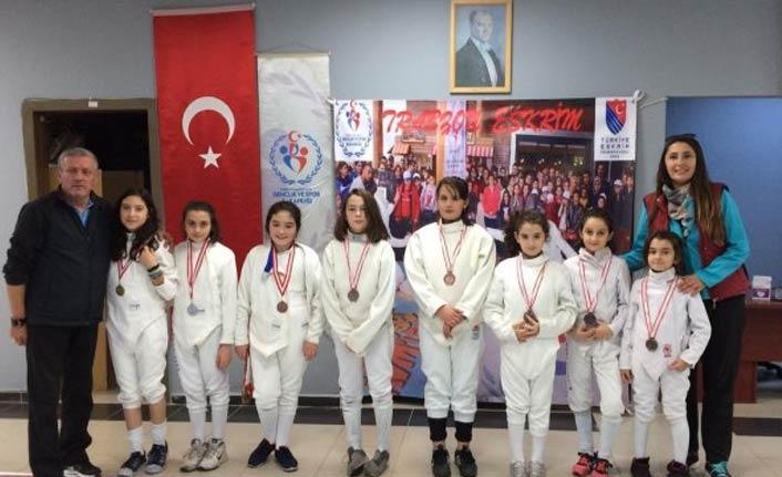 Trabzon'da eskrim Cumhuriyet Kupası düzenlendi