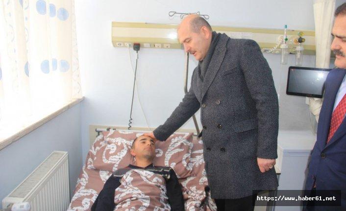Süleyman Soylu Hakkari'de yaralı askerleri ziyaret etti