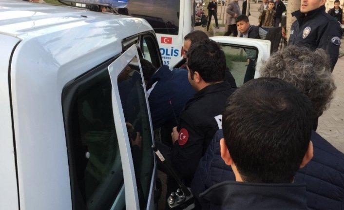 İntihar etmek istedi polis ikna etti