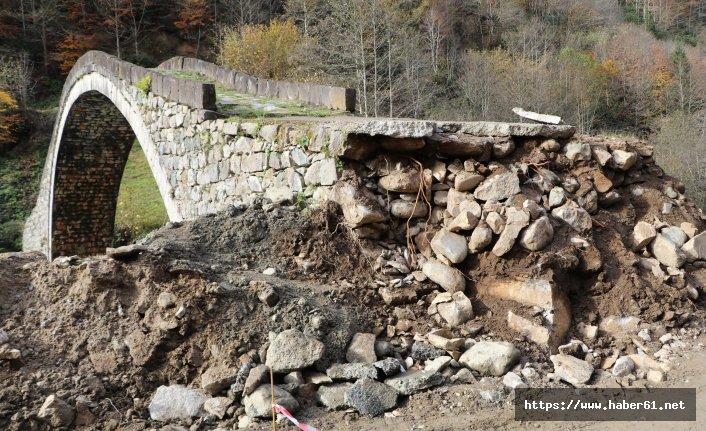 Sellerin yıkamadığı köprüye yol çalışması zarar verdi