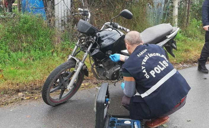 Çaldıkları motosikleti çalıştıramayınca bırakıp kaçtılar