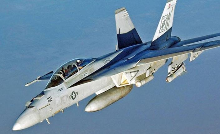 ABD'ye ait askeri uçaklar çarpıştı