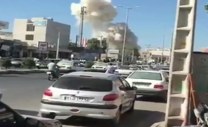 Bomba yüklü araç patladı 3 polis hayatını kaybetti
