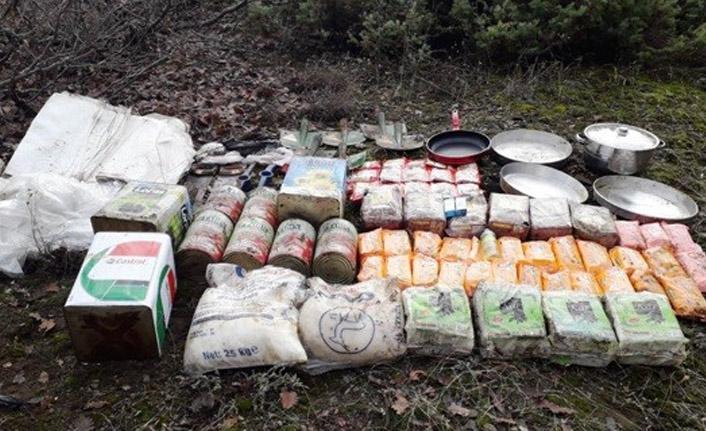 PKK'nın yarım ton gıda malzemesi ele geçirildi