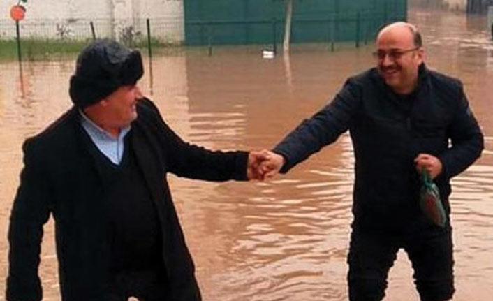 Adana'da yollar göle döndü