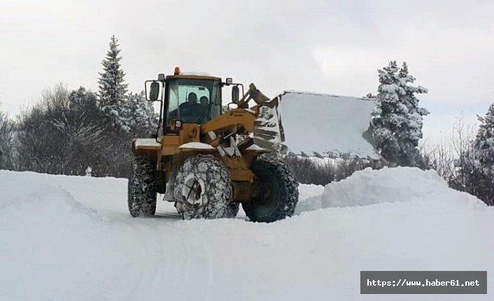 Gümüşhane'de karla mücadele sürüyor