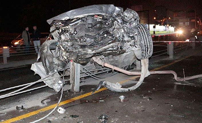 Otomobil viyadükten düştü: 3 yaralı