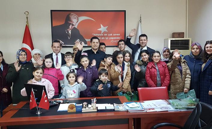 Akçaabat Belediyesi'nden öğrencilere yardım