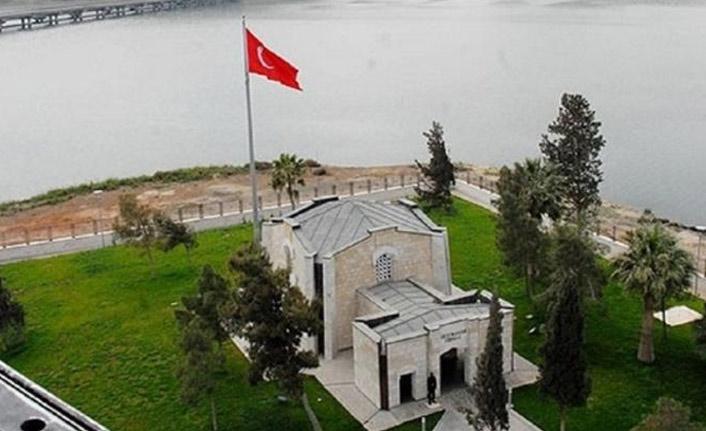 Bakan Akar ve komuta kademesi Süleyman Şah Türbesi'nde