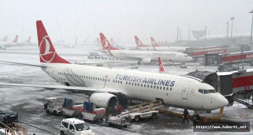 Hava ulaşımına kar engeli