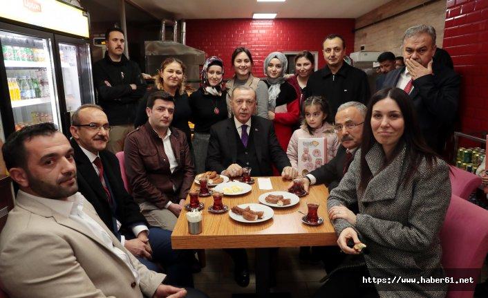 Cumhurbaşkanı Erdoğan ile çay simit sohbeti