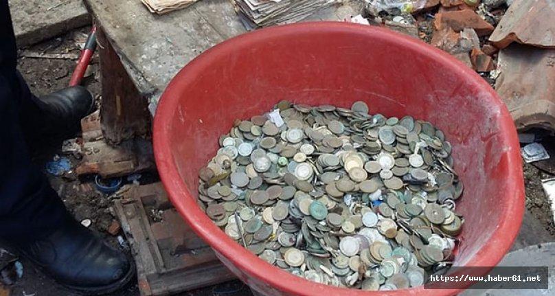 Çöp evden para ve mermi madeni çıktı!