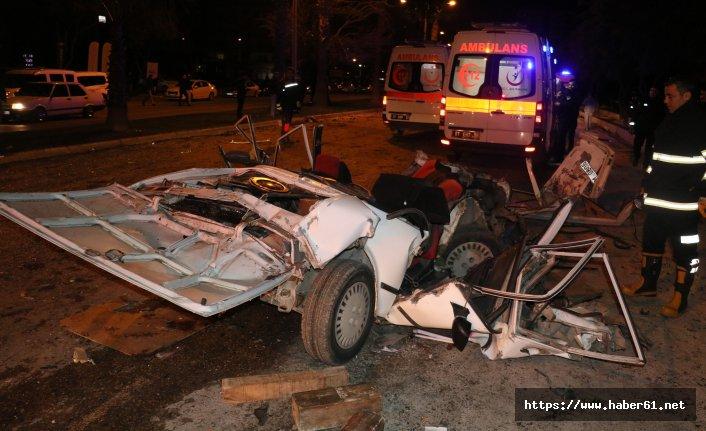 Lüks otomobiliyle dehşet saçtı: 2 ölü 3 yaralı