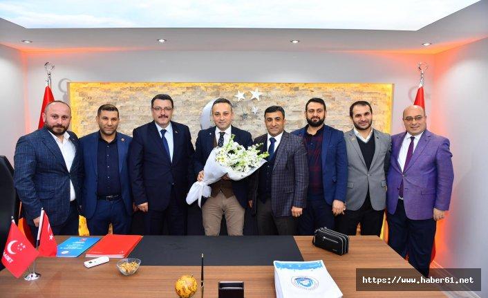 Ahmet Metin Genç'ten Saadet Partisi'ne ziyaret