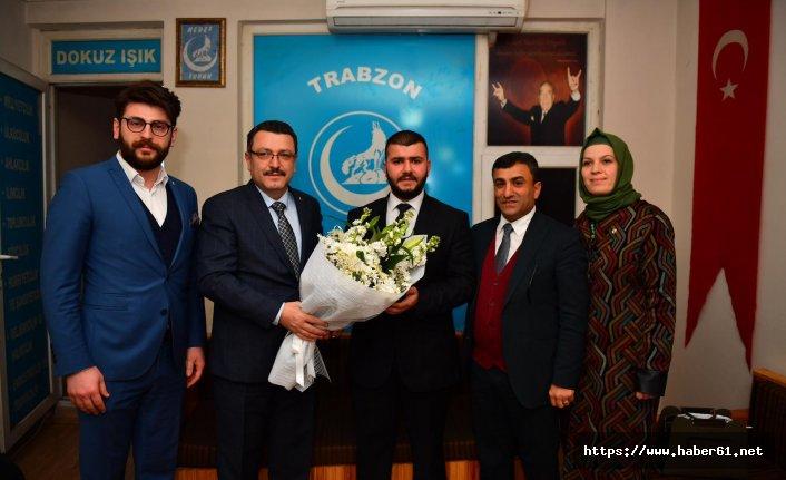 Ahmet Metin Genç'ten Ülkü Ocakları'na ziyaret