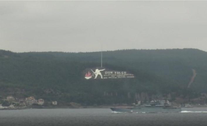 Savaş gemileri Çanakkale'den geçti