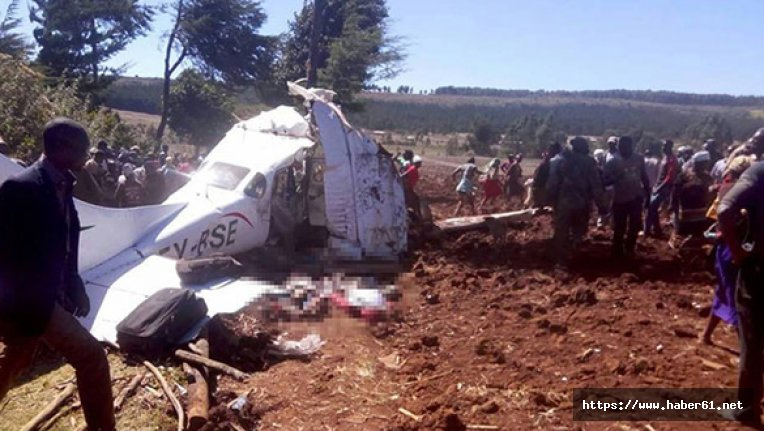 Kenya'da uçak düştü!