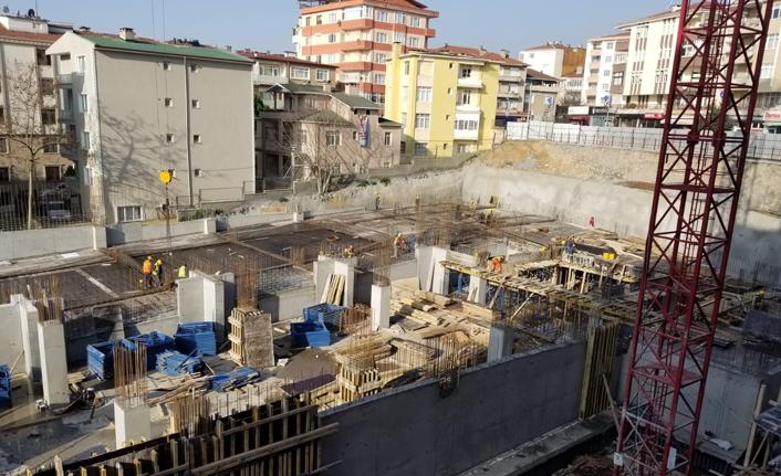 Binanın bodrum kat betonları döküldü!