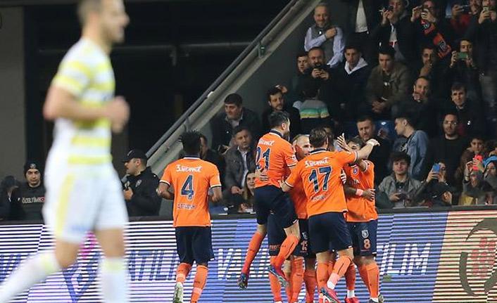 Başakşehir Fenerbahçe'yi yendi