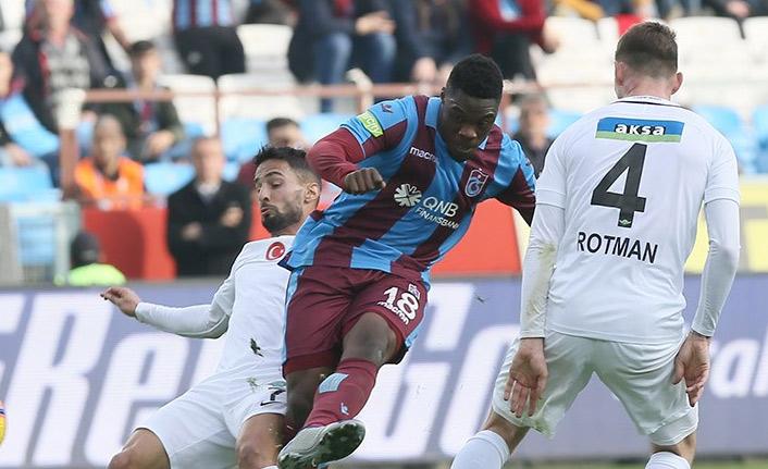 Trabzonspor direkleri geçemiyor