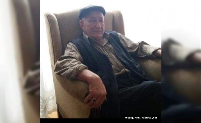 Yaşlı adamın katili, çay içtiği bardakları götürmüş