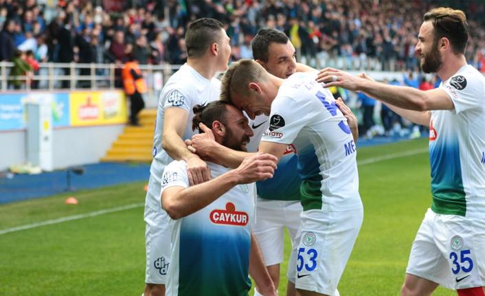 Çaykur Rizespor 3 puanı 3 golle aldı!