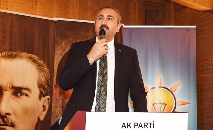 """Bakan Gül: """"Hakim yardımcılığı, savcı yardımcılığı müesseseni getireceğiz"""""""