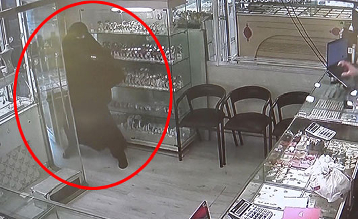 Kara çarşaflı kuyumcu soygunu!