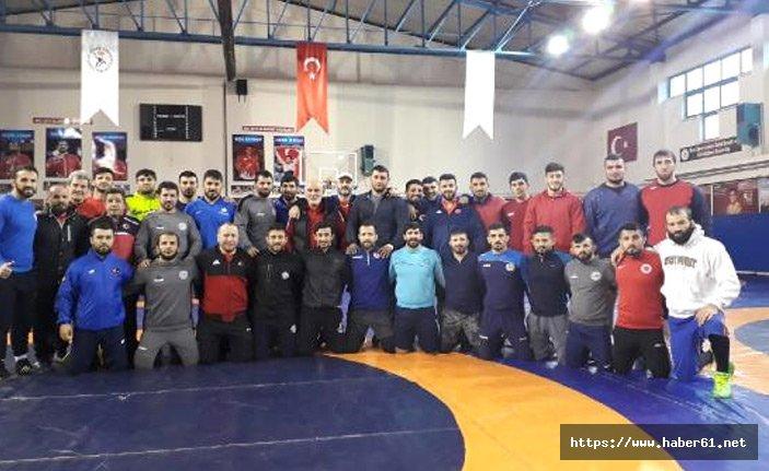 Serbest Güreş Milli Takımı Dünya Kupası için Rusya'da